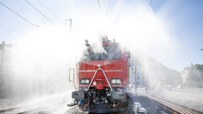 Les CFF présentent leur train d'extinction et de sauvetage aux cheminots neuchâtelois