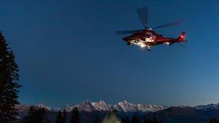Schwyz: un homme retrouvé grâce à un hélicoptère équipé d'une caméra thermique de la Rega