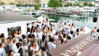 Neuchâtel: la soirée blanche a attiré 4000 personnes habillées sur leur 31