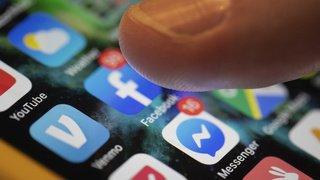 Fake news: Facebook veut empêcher les publicitaires de modifier les articles de presse