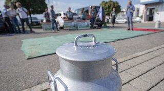 Manif des producteurs de lait contre les prix baissés d'Emmi