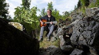 Vincent Vallat, un chansonnier qui compose avec sa timidité
