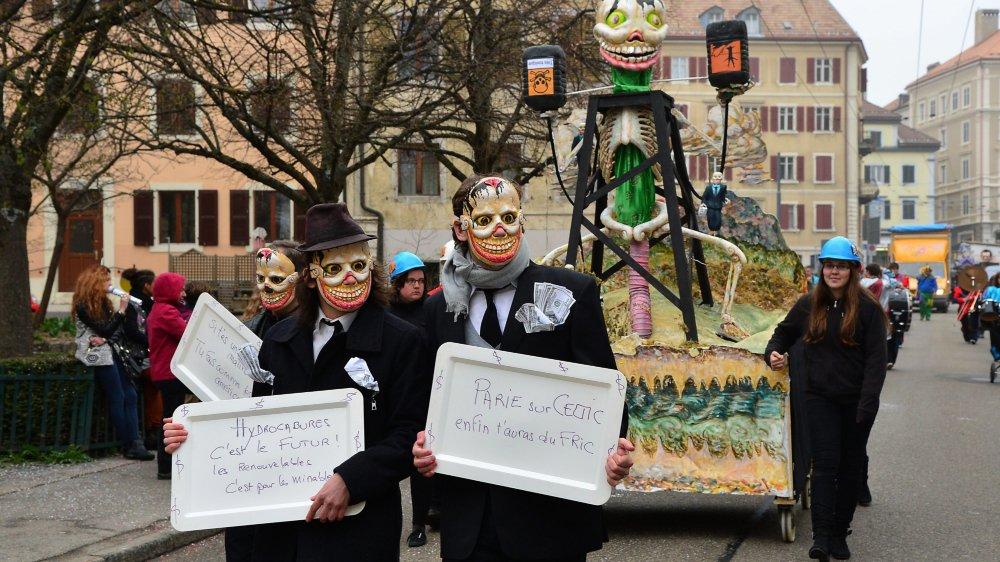 Le collectif anti-forage lors du Carnaval de La Chaux-de-Fonds en 2014.