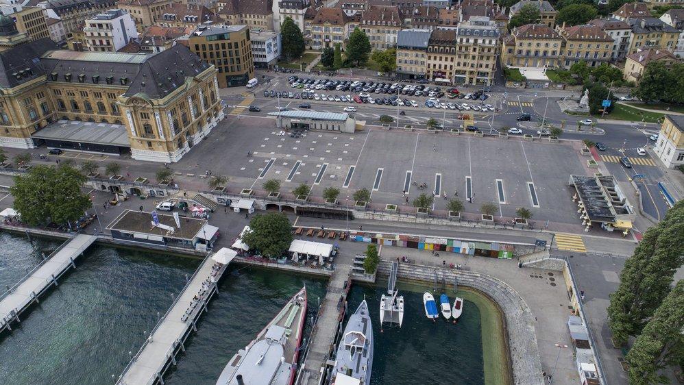 Voici plusieurs années que les rapports entre les riverains de la place du port et les établissements publics sont tendus.