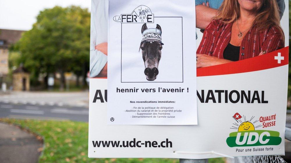 Une des affiches électorales dégradées par le collectif La Ferme.