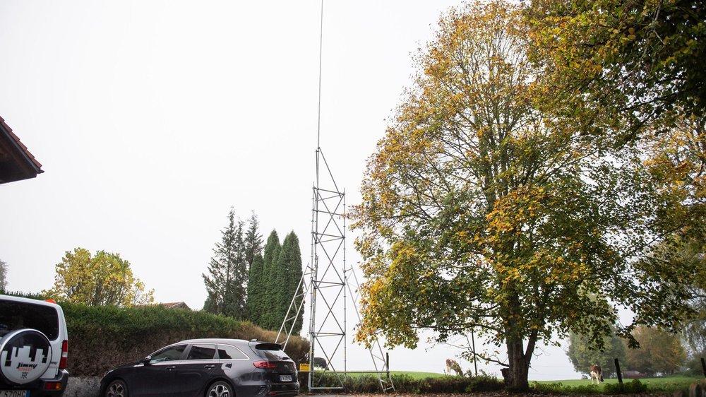 Le gabarit de l'antenne 5G prévue près des Rives du Doubs, aux Brenets.