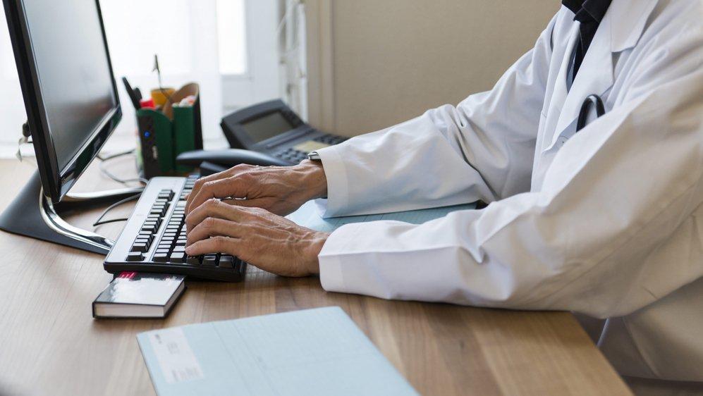 Le dossier électronique du patient a pour but d'améliorer la qualité des soins et de réduire les coûts.