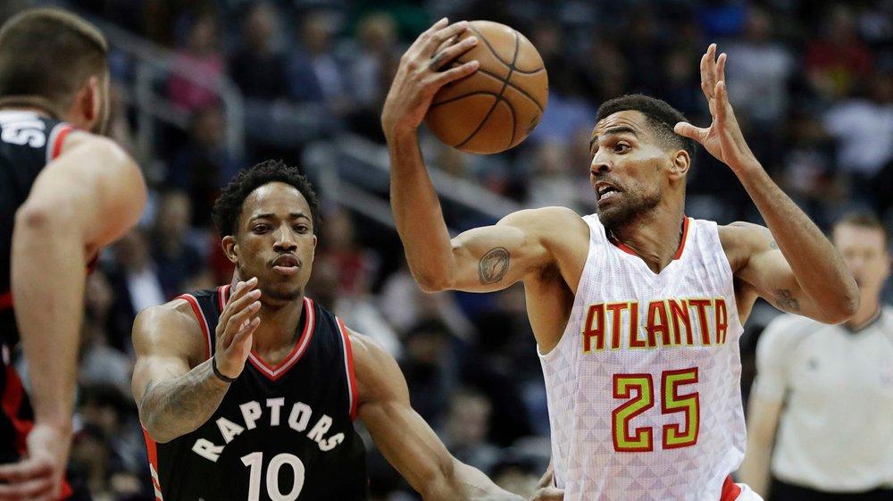 Même si, à 35 ans, il disputera sa 14e saison en NBA, Thabo Sefolosha (à droite) se voit jouer encore quelques années.