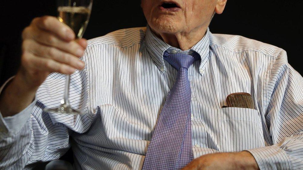 John B. Goodenough, qui fêtait hier son prix, est devenu, à 97 ans, le plus vieux lauréat Nobel de l'histoire.