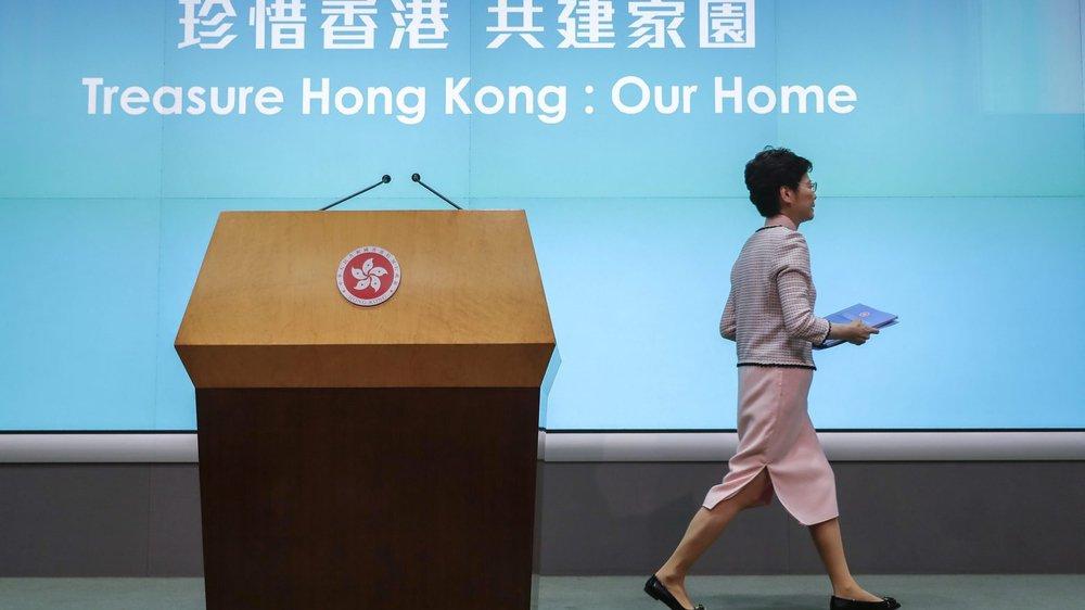 Carrie Lam a quitté le parlement sans prononcer son discours.