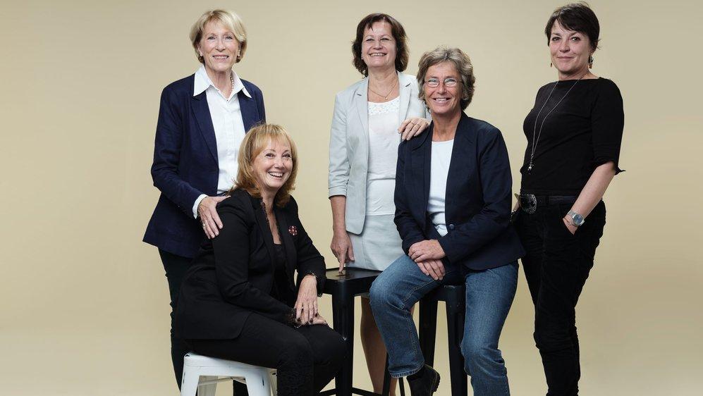 Les cinq Neuchâteloises à avoir siégé sous la Coupole fédérale. De gauche à droite: Michèle Berger-Wildhaber, Sylvie Perrinjaquet, Gisèle Ory, Francine John Calame et Valérie Garbani.