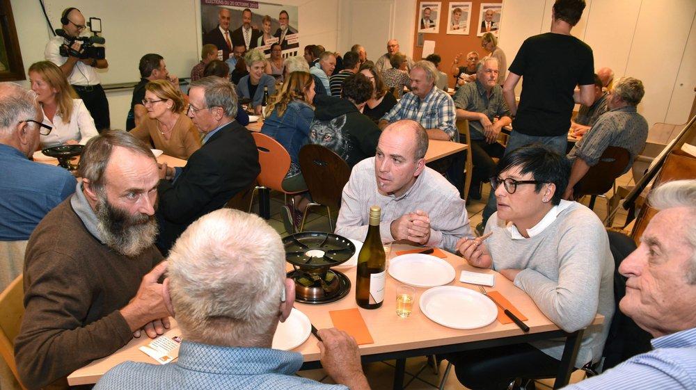 Autour d'un caquelon à fondue et d'un verre de blanc, les villageois ont fait part de leurs doléances aux membres du PDC.