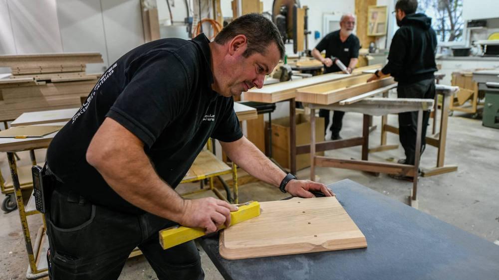 L'entreprise Coulet usine des pièces de bois sur CNC pour iWood.