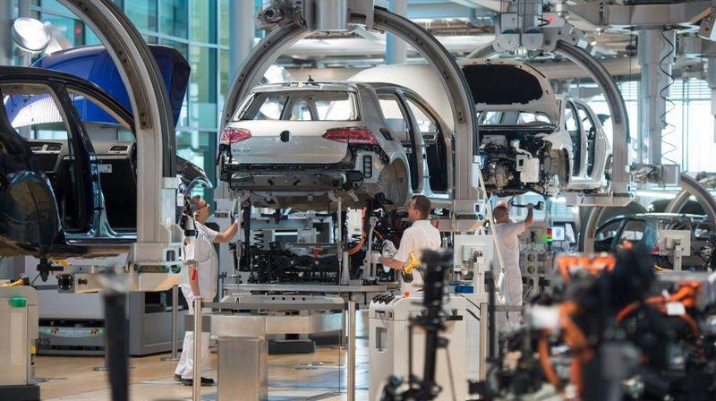 Eclairage: «Allemagne de l'Est entre exode et boom économique»