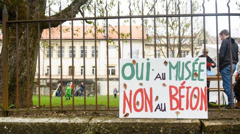 La Chaux-de-Fonds: 5000 signatures pour sauver le parc près du Bois du Petit-Château