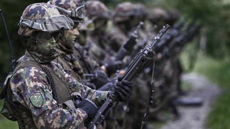 147 millions seront destinés à l'achat et à la remise en état de minutions et la réutilisation de pièces démontées de l'armée suisse. (Illustration)