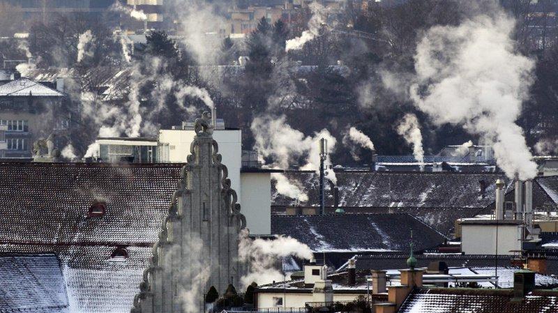 Le Conseil des Etats a décidé que le CO2 émis par les bâtiments devrait reculer de 50% en 2026 et 2027.