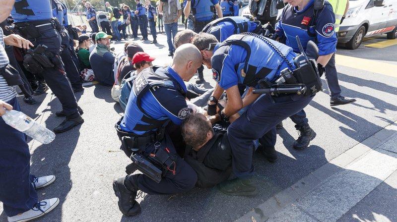Grève du climat à la veille de la marche à Berne: importante mobilisation, près de 50 arrestations à Lausanne