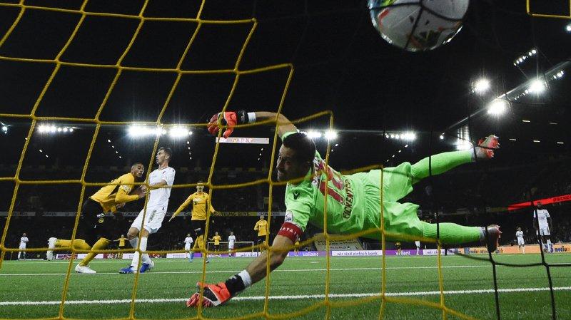 Les Bernois ont su réagir malgré l'ouverture du score par un coup de tête d'Uldrikis à la 8e minute.