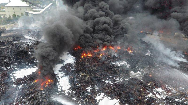 France: pas de contamination par des dioxines à la suite de l'incendie de l'usine à Rouen selon les premières analyses