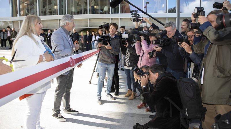 Les médias étaient présents en masse lors de l'inauguration.