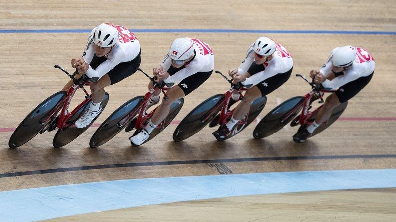 Le cyclisme sur piste et la poursuite par équipes: mode d'emploi