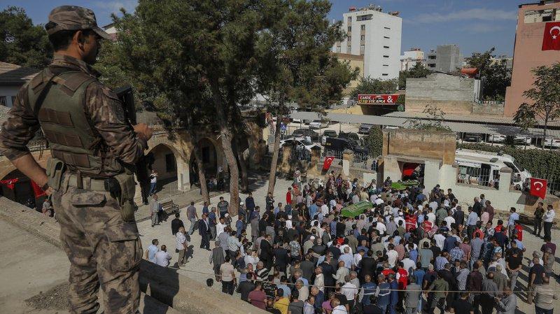 Syrie: forces turques dans une ville clé kurde, violents combats