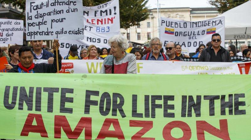 Des centaines de manifestants se sont réunis à Genève ce samedi.