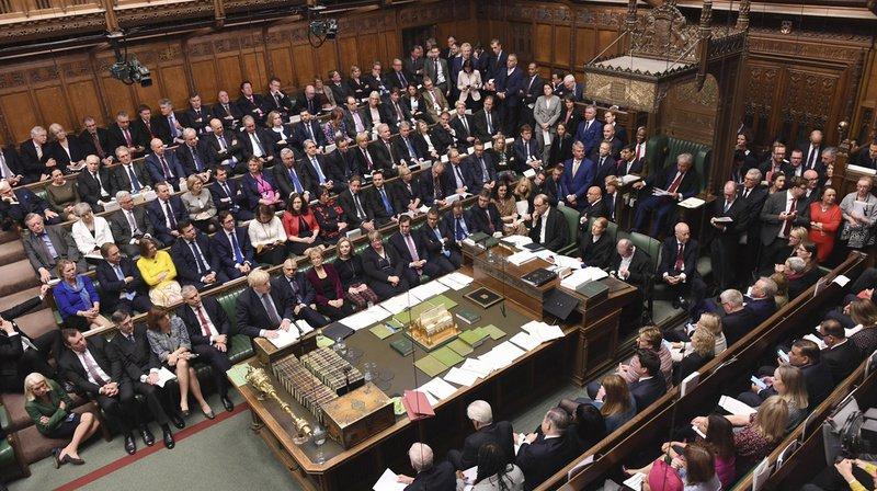 Brexit: le vote du Parlement britannique sur le nouvel accord de divorce est reporté