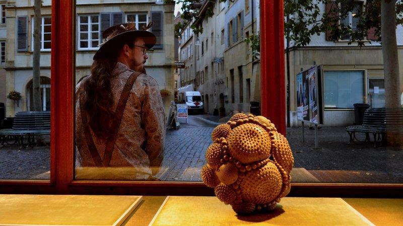 Neuchâtel: la première édition d'Arty Show investit 20 vitrines de commerçants au centre-ville