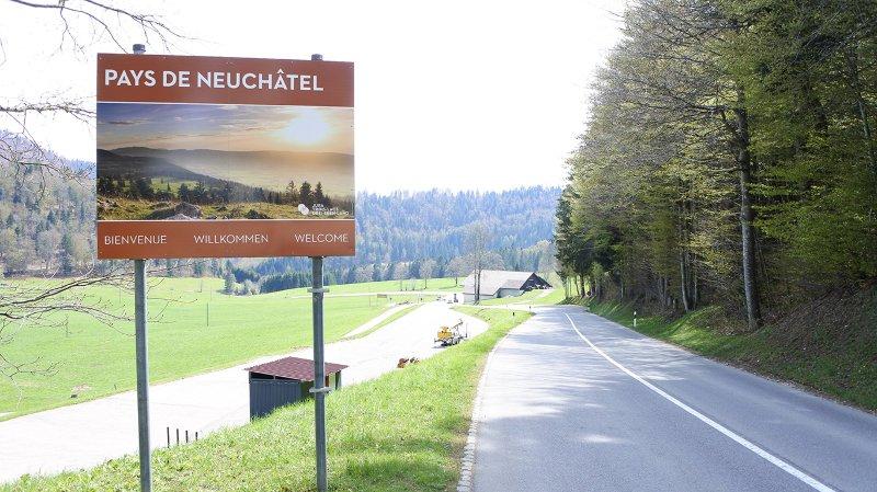 Le panneau placé à l'entrée des Bugnenets.
