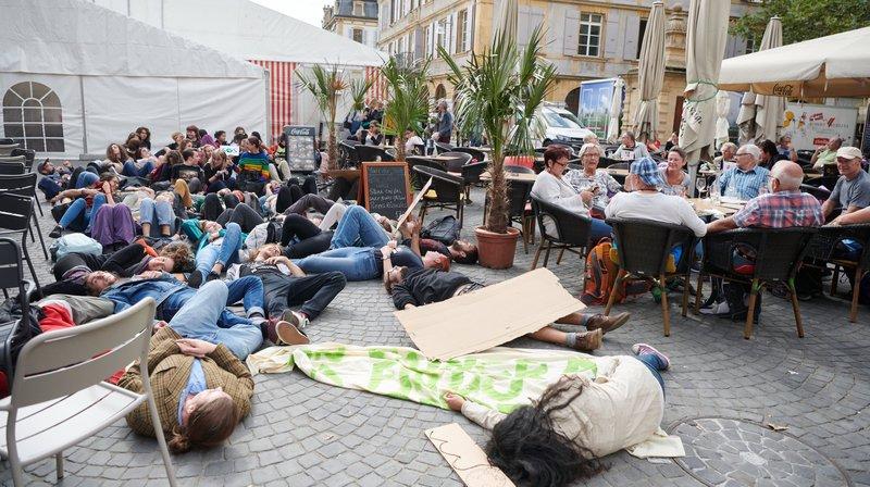 La Grève du climat débouche sur une marche protestataire au cœur de Neuchâtel