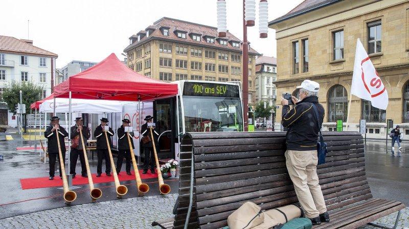Le Syndicat du personnel des transports a sorti les grands moyens pour la célébration de son centième anniversaire à La Chaux-de-Fonds.