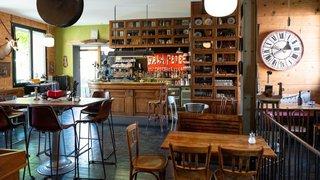 Saint-Blaise: hors normes, le café Broc'antic ferme ses portes
