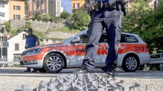 Tessin: des individus font exploser un bancomat à Comano
