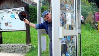 Les Planchettes: un centre culturel dans une cabine téléphonique