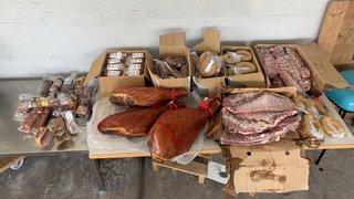 Vaud: un homme arrêté avec 70kg de viande et un bouledogue non déclarés