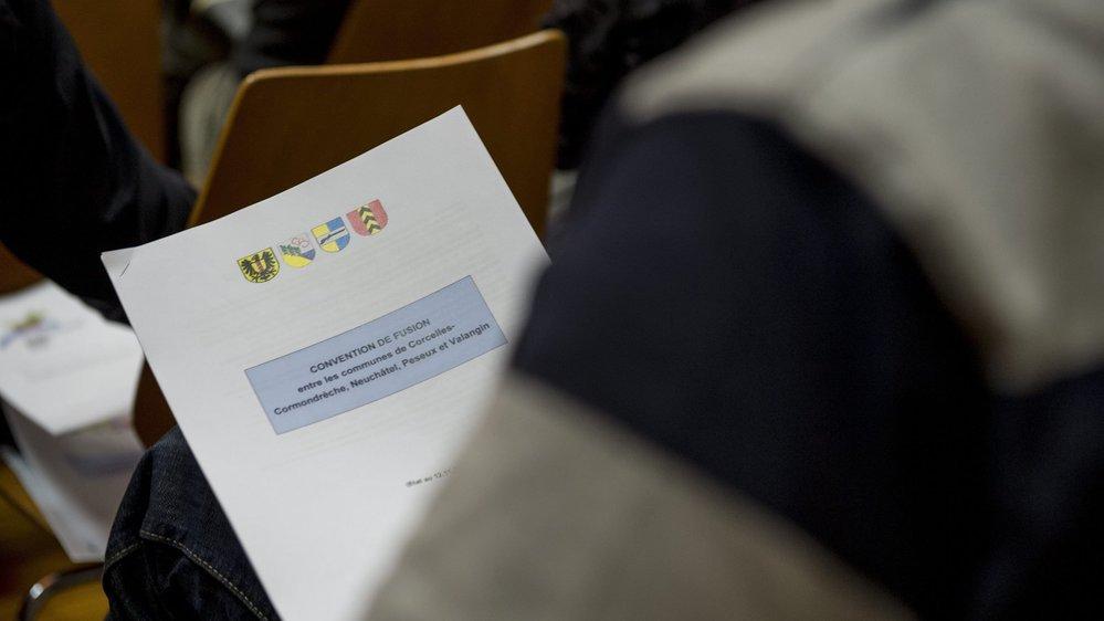 La convention de fusion avait été présentée aux quatre conseils généraux réunis en séance commune en novembre 2015.
