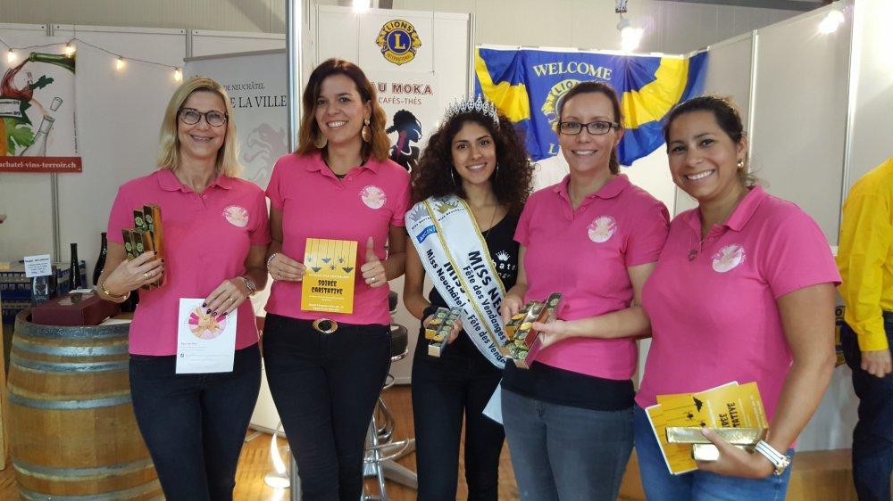 Les mamans de l'association peuvent compter sur le soutien de nombreux bénévoles, à l'instar de l'actuelle Miss Neuchâtel-Fête des vendanges, Noemi Di Dio (au centre).