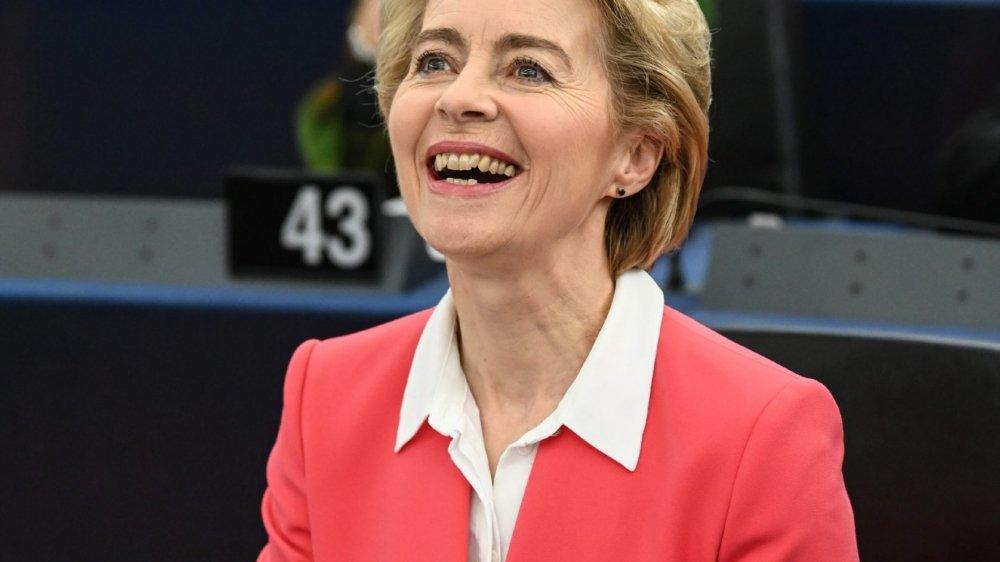 L'Allemande Ursula von der Leyen succède, pour cinq ans au moins, au Luxembourgeois Jean-Claude Juncker à la tête de la Commission européenne.