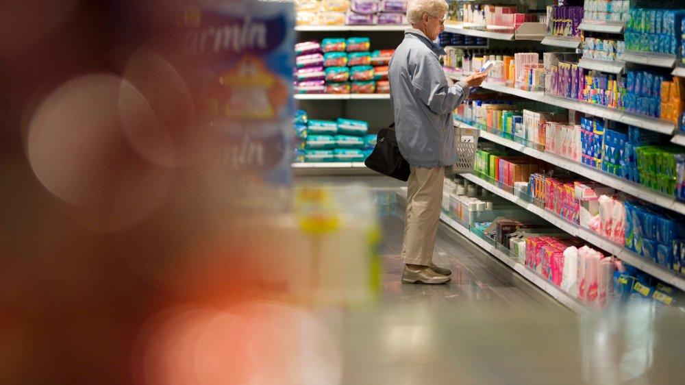Hier, le Conseil fédéral a voulu montrer qu'il se souciait du pouvoir d'achat. De la poudre aux yeus, selon les défenseurs des consommateurs.