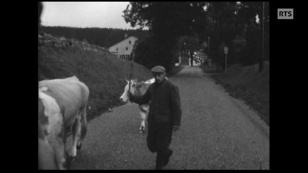 La RTS a retrouvé certains protagonistes des reportages tournés au Val-de-Travers au cours du 20e siècle.