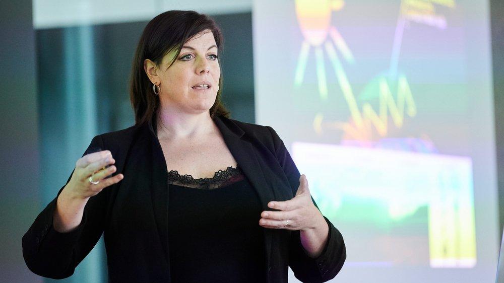 Célia Sapart lors de son exposé au CPLN.