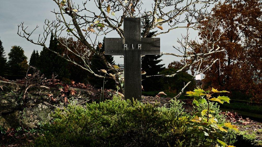 En Suisse, environ huit personnes sur dix préfèrent l'incinération à l'inhumation.