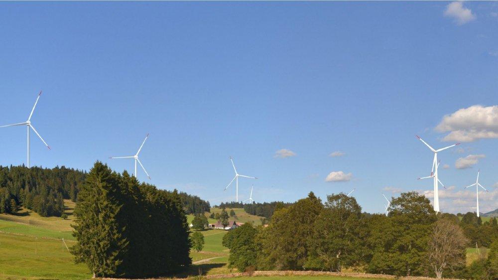 L'éolienne la plus contestée, sur sol bernois, a été supprimée. Le futur parc des Quatre Bornes devrait donc accueillir trois machines côté neuchâtelois et sept côté bernois.