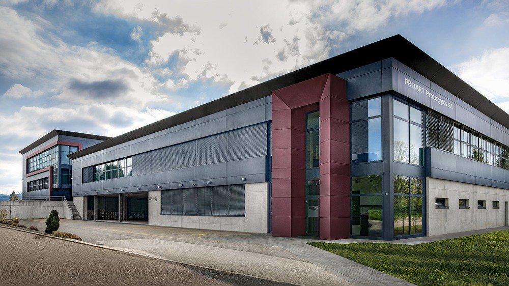 Richard Mille vient d'inaugurer aux Breuleux un nouveau bâtiment de 2500 m2, abritant notamment les trois bureaux techniques et ses vingt-cinq ingénieurs.