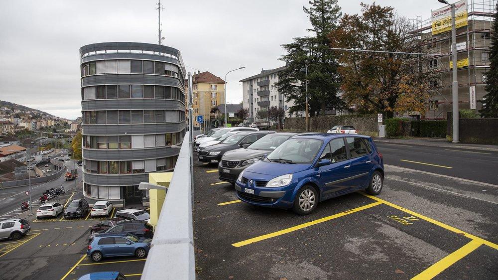 Le parking de la rue des Poudrières, à Neuchâtel, est très convoité.