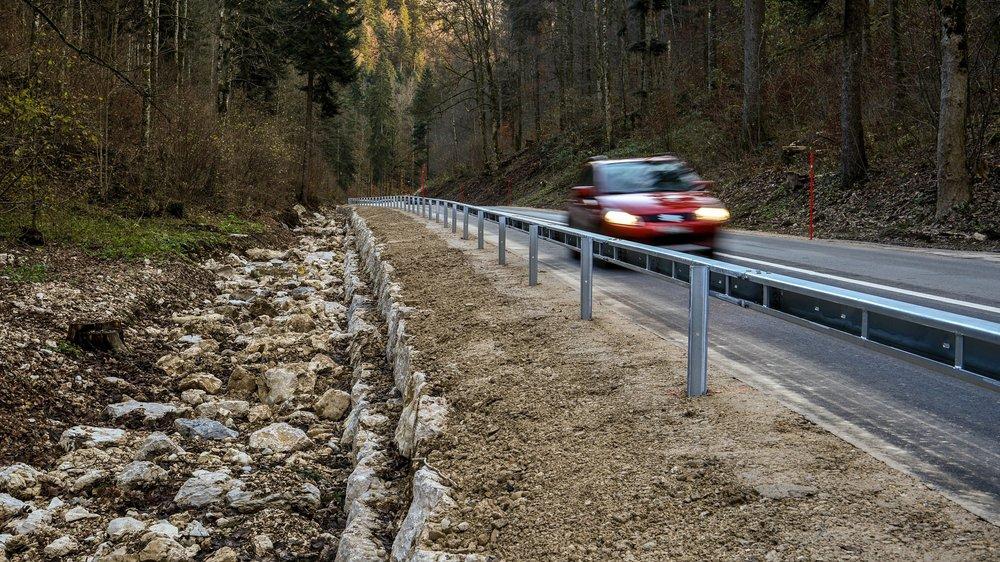 Côté rivière, la route a changé d'aspect.