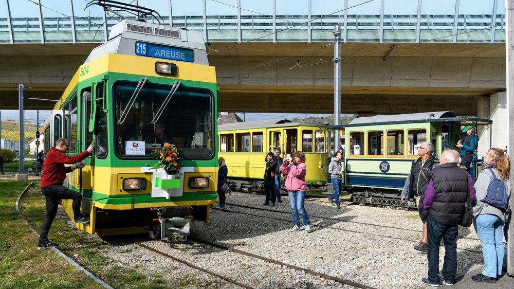La motrice 504 était accompagnée par les autres véhicules historiques du Musée du tram.