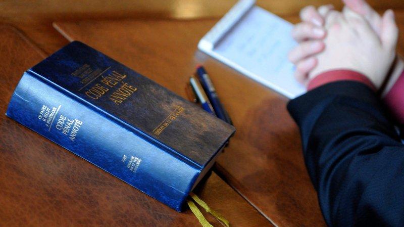 Drame des Verrières: une juge neuchâteloise porte plainte contre un journaliste de «20minutes»
